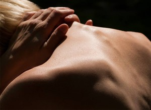 7-Pains-You-Shouldnt-Ignore-In-Your-Yoga-Practice1